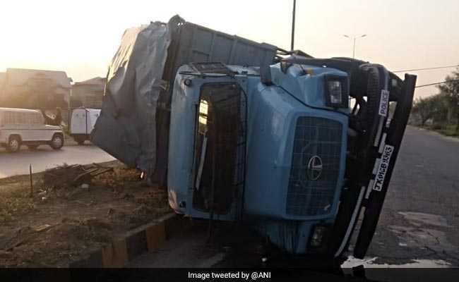 In Srinagar, 19 CRPF Personnel Injured As Jeep Turns Turtle