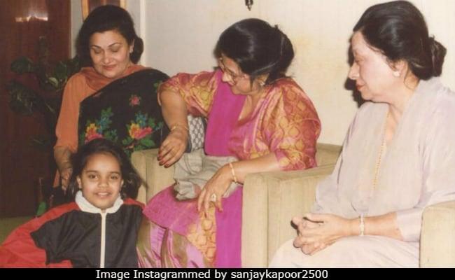Krishna Raj Kapoor And Nirmal Kapoor In The Mother Of Throwback Pics