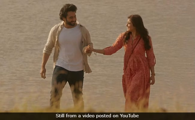 Jackky Bhagnani To Lata Mangeshkar On Chalte Chalte Controversy: 'Ma'am, Please Listen To The Song Once'
