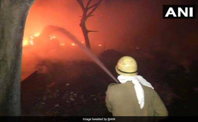 delhi amar colony fire
