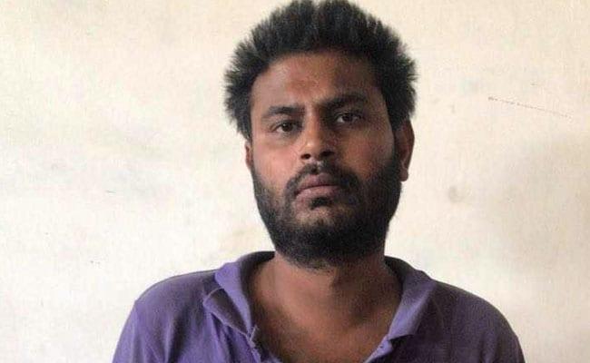 दिल्ली : मोमोज मांगने पर बच्चे को नहर में फेंका, हत्या के आरोप में पिता गिरफ्तार