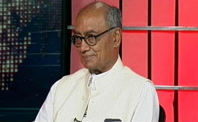 दिग्विजय सिंह ने कहा- ज्योतिरादित्य सिंधिया से मतभेद नहीं, मैं CM पद की दौड़ से बाहर
