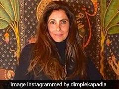 60 के पार हुईं डिंपल कपाड़िया, PHOTOS में देखें उनका सबसे स्टाइलिश अंदाज