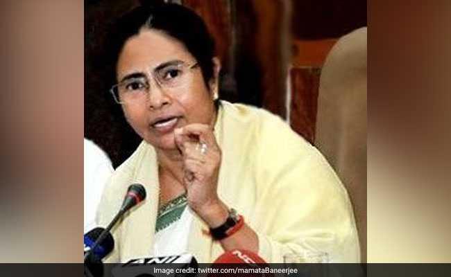 पश्चिम बंगाल में 'जय श्री राम' पर सियासत, ममता बनर्जी बोलीं- BJP धर्म को राजनीति से मिला रही