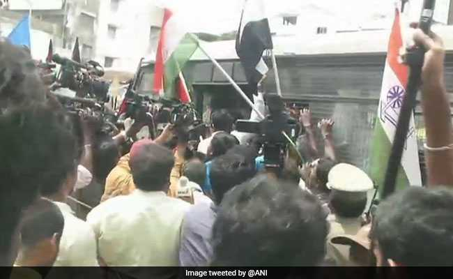 Tuticorin Sterlite Protest Updates: Opposition Calls For Statewide Shutdown, DMK's Kanimozhi Detained