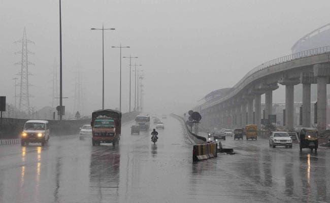 शाम तक दिल्ली में हो सकती है गरज के साथ बारिश, उमसभरी रही सुबह