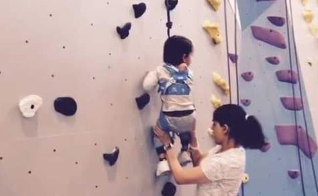 तैमूर अली खान को रितेश-जनेलिया के बेटे ने किया चैलेंज, कहा- ये करके दिखलाओ- देखें Video