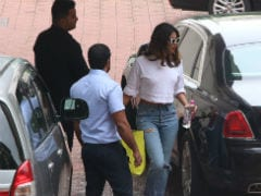Priyanka Chopra And Farhan Akhtar's Work Mode Is On For <i>The Sky Is Pink</i>