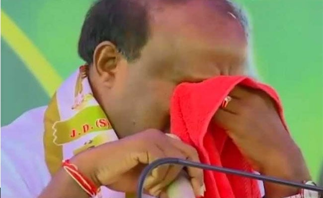 HD Kumaraswamy Gives Emotional Speech Again, Says Alive To Serve People