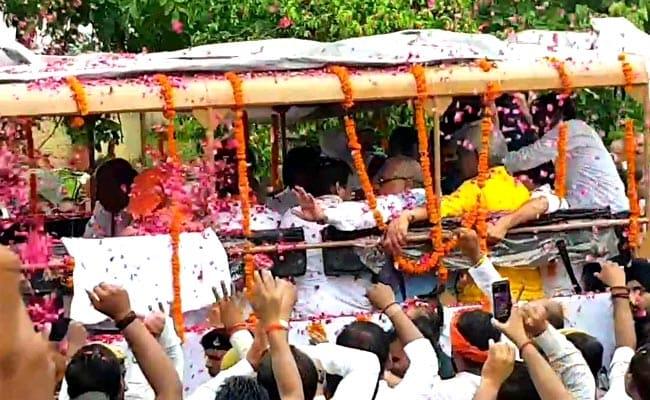 Atal Bihari Vajpayee's Ashes Immersed In Gomti River, Lucknow Bids Adieu