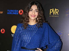 Sonam Kapoor Wows Us In A Bold Blue Dress For Jio MAMI's Fim Festival