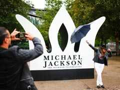 Fans Pay Tribute To Michael Jackson On 60th Birthday In London