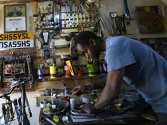 """Meet Kenya's """"Junk Artist"""", Who Believes In Giving Things A Second Chance"""