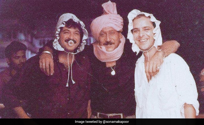 Bet You've Never Seen Anil Kapoor And Parinda Company Look Like This Before
