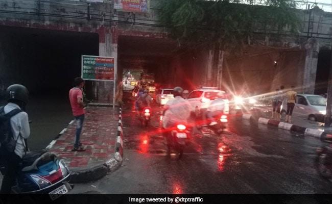 Weather Report: दिल्ली-NCR में जमकर बरसे बादल, कई इलाकों में लगा जाम, इन राज्यों में तेज बारिश की चेतावनी
