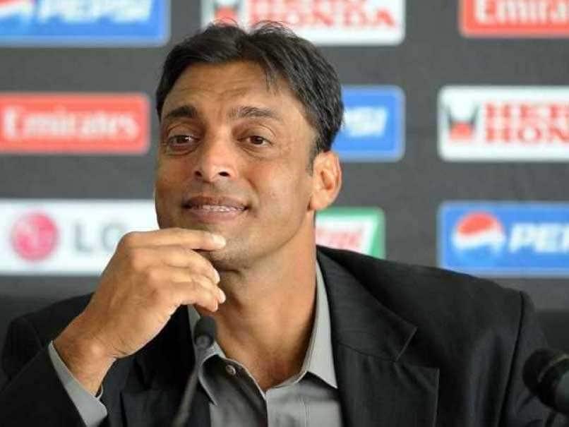 Former pakistani fast bowler Shoaib Akhtar Trolled For Praising Rohit Sharma