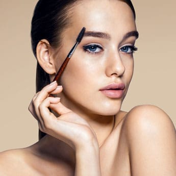 4 Beauty Oils To Help You Grow Thick Eyebrows Naturally