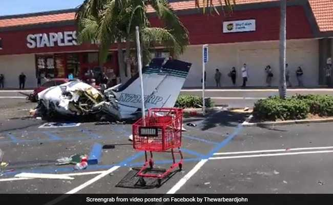 Plane crashes into parking lot in Southern California, 5 dead