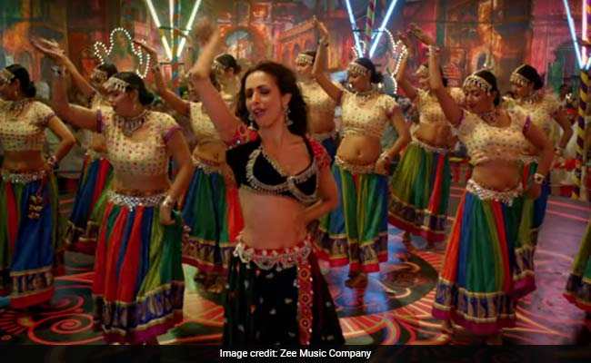 Pataakha Song Hello Hello: Malaika Arora's Thumkas Are Epic As Ever