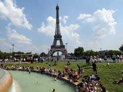 Eiffel Tower: संदिग्ध युवक को देखे जाने के बाद एफिल टावर को खाली कराया गया