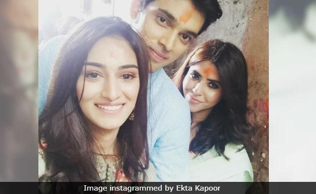 Kasautii Zindagii Kay 2: Ekta Kapoor Takes Her New Prerna And Anurag To Kolkata's Kalighat Temple