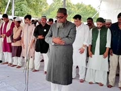 In UP, Shia, Sunni Muslims Stand Shoulder To Shoulder For Eid Prayers