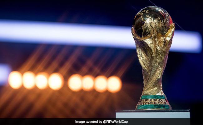FIFA World Cup: नए स्टेडियमों से रूसी फुटबॉल प्रमुख खुश नहीं, पूछा-स्टेडियम की छत कहां हैं?