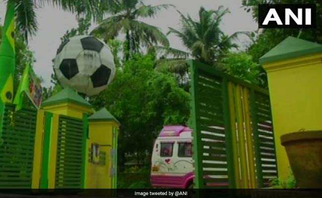 Custom Cakes, Sweets, Kites And Even Homes. The FIFA Mania In India