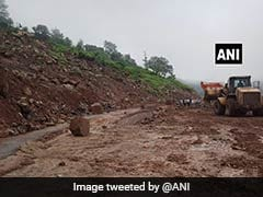 Fresh Landslide Blocks Jammu-Srinagar Highway, Thousands Stranded