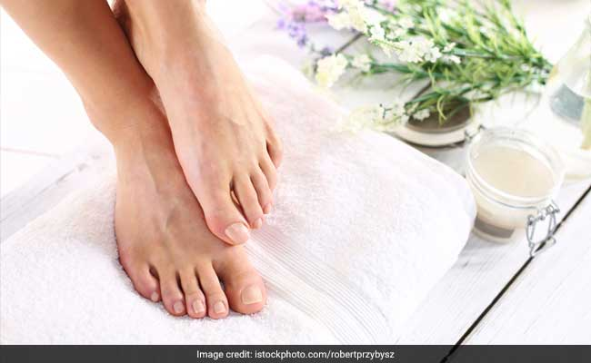 6 Beauty Tips To Take Care Of Your Feet This Monsoon