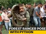 "Video : ""Hold The Tail, Hold The..."": Selfie Fail With Python Caught On Camera"