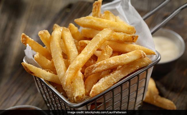 कोलेस्ट्रॉल लेवल को सही रखने के लिए ना खाएं ये 5 चीज़ें