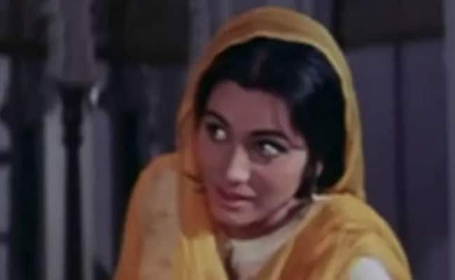 Daughter Aradhya cremates Pakeezah actress Geeta Kapoor, son still missing
