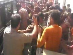 Watch: Mob Of Kanwar Pilgrims Bullies UP Cops, Vandalises Emergency Van