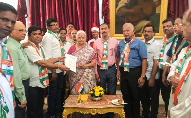 Congress Eyes Power In Goa, Meets Governor, Stakes Claim To Form Government