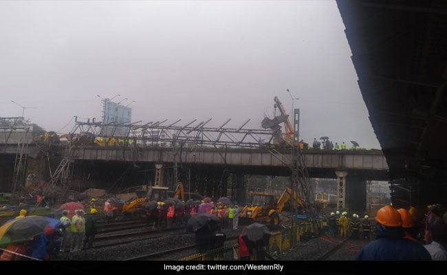 gokhale bridge andheri station collapse western railways