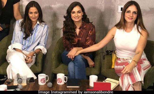 Sonali Bendre's Book Club Taken Over By Best Friends Dia Mirza, Sussanne Khan, Gayatri Joshi