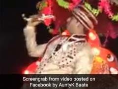 VIDEO: दूल्हे ने बारात में किया 'जुम्मा चुम्मा दे दे' पर डांस, देखकर आ जाएगा मजा
