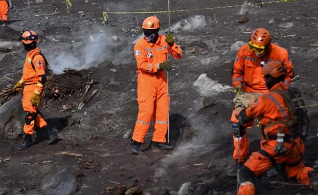 At Guatemala volcano, search halted as death toll hits 109