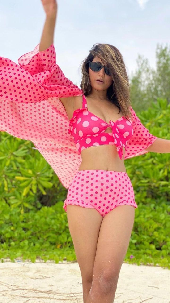 Hina Khan's Best Bikini, Swimsuit And Dresses Worn On Her Beach Holidays