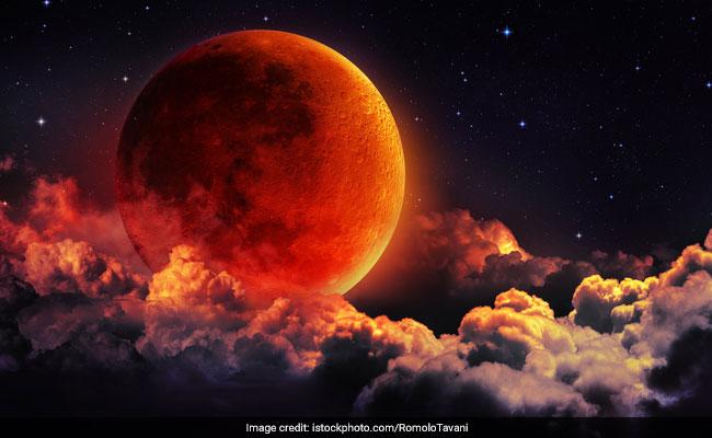 Chandra Grahan: सदी के सबसे लंबे चंद्रग्रहण के मौके पर जानें Lunar Eclipse Time और विधि विधान