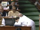 Video : Watch: Rahul Gandhi's Bear Hug And A Handshake For PM Modi