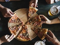 Experts Reveal People Eat 48% More When They Eat With Friends And Family