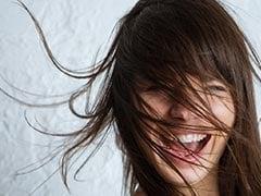 मॉनसून में बालों को झड़ने और बेजान होने से बचाएंगे ये 11 TIPS
