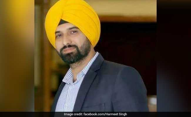 pakistan news channel gets first sikh anchor