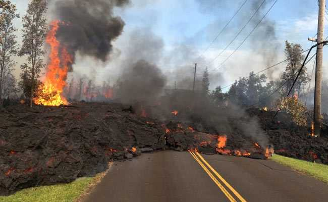Hawaii Evacuees Leave Homes As New Lava Threatens On Big Island