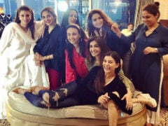 What Sushmita Sen's Evening With Her Squad Of Girlfriends Looks Like. Madhoo, Suchitra Krishnamoorthi Spotted