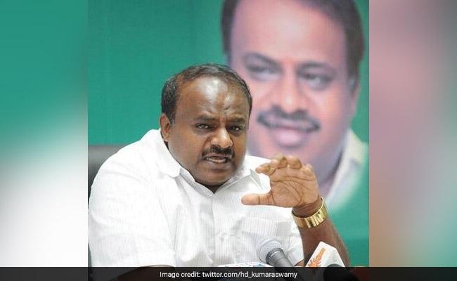 HD Kumaraswamy Holds Talks With Sugarcane Farmers, Assures Support