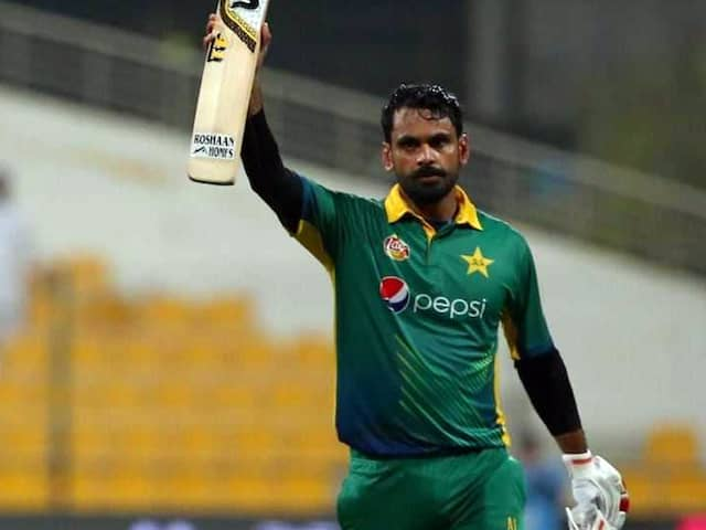 Pakistani stalwarts Shoaib Malik & Mohammad Hafiz is out of central contract, but...