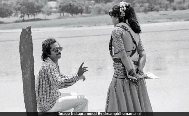 In Hema Malini's Rare Throwback Post, A Pic From Sholay. Can You Identify The Other Person?